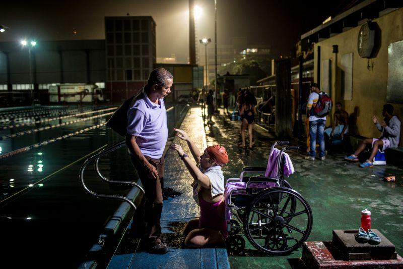 1er LUGAR DE PIES JUNTO A LA VIDA Fotógrafo: Iván González Protagonistas: Zarevitz Camacho Londres, REINO UNIDO