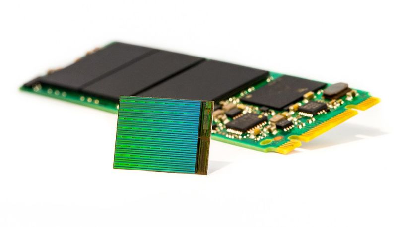 3D+NAND+Die+with+M2+SSD