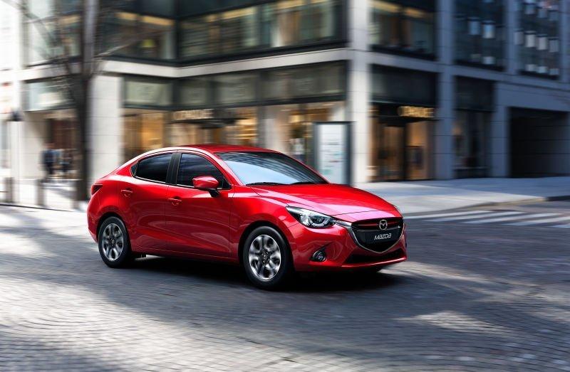 Mazda2_SDN_CUT001_CSA_GCC _HIGH_CE_AT_SOUL_RED
