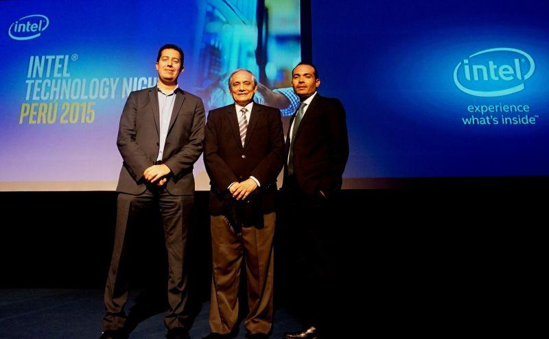 Santiago Cardona, Gerente General de Intel Perú; Jorge Gonzalez Izquierdo, destacado Economista y Juan Fernando Martinez, Gerente de Tecnología empresarial de Intel