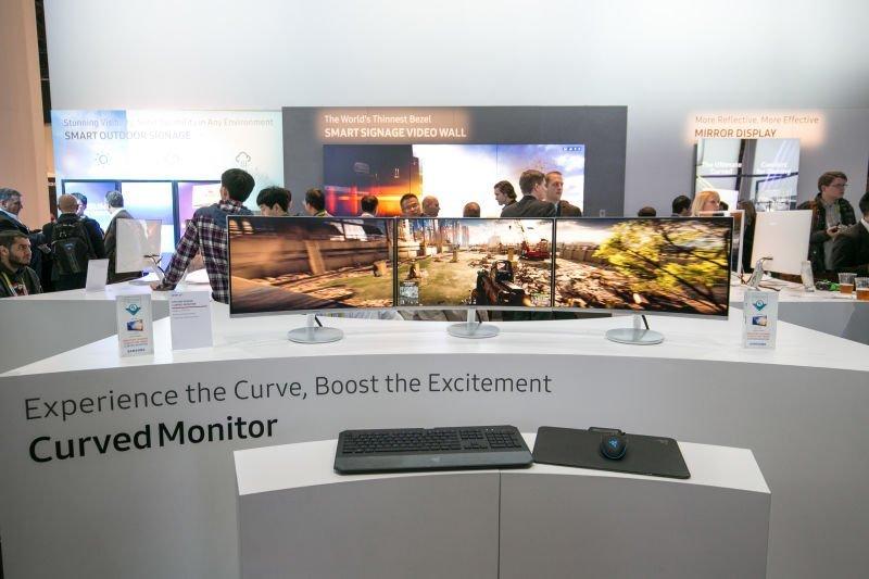 Monitor curvo para videojuegos